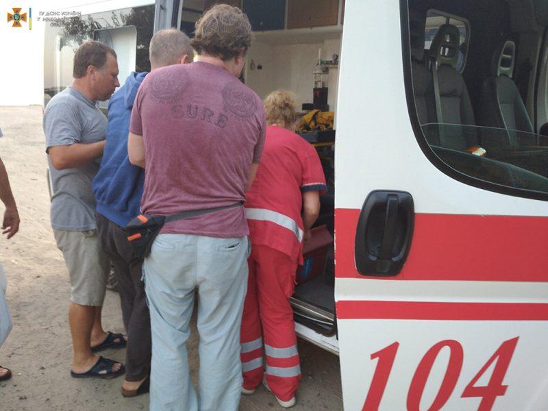 Спасатели эвакуировали с Кинбурнской косы отдыхающего, которому потребовалась срочная медицинская помощь