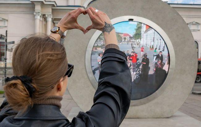 Ученый-энтузиаст создал портал между Литвой и Польшей. Обещает «окно» в Киеве (ВИДЕО)