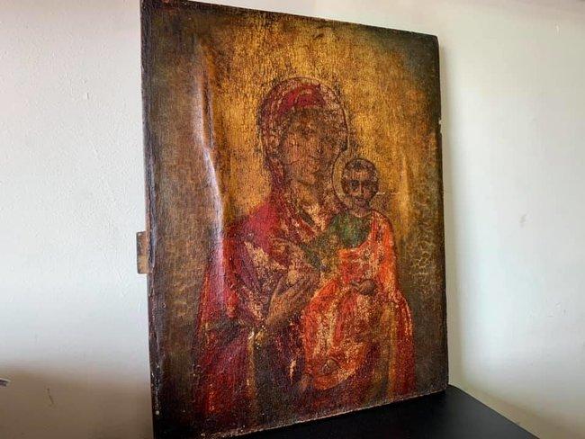 Из Украины в США пытались отправить старинную икону Смоленская Богородица – под видом разделочной доски (фОТО)