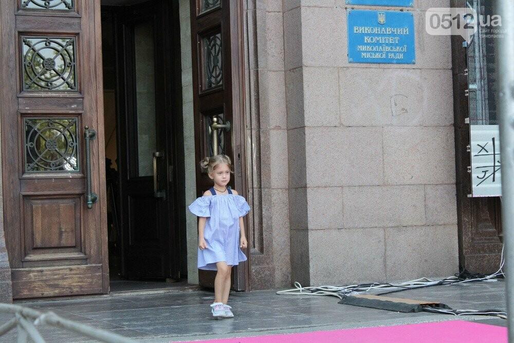 Дефиле из мэрии: на Соборной площади прошел фестиваль моды SUFD 15