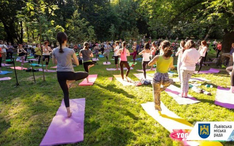 Намасте. Во Львове стартовал 21-дневный фестиваль йоги (ФОТО, ВИДЕО)