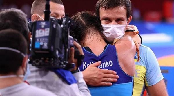 Обладательница бронзовой награды Олимпиады в борьбе Ирина Коляденко решила отдать подаренную квартиру своему тренеру