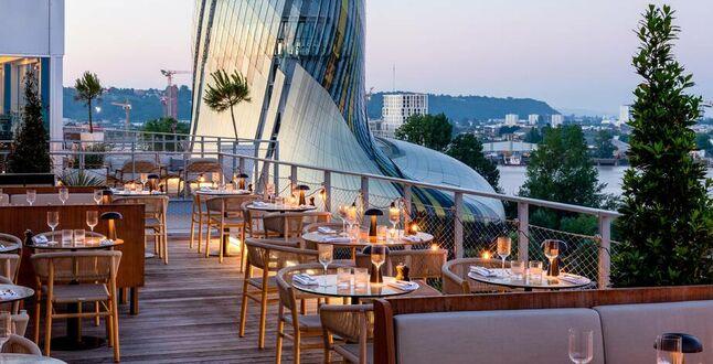 Во французском Бордо нефтяной завод стал 5-звездочным отелем (ФОТО) 3