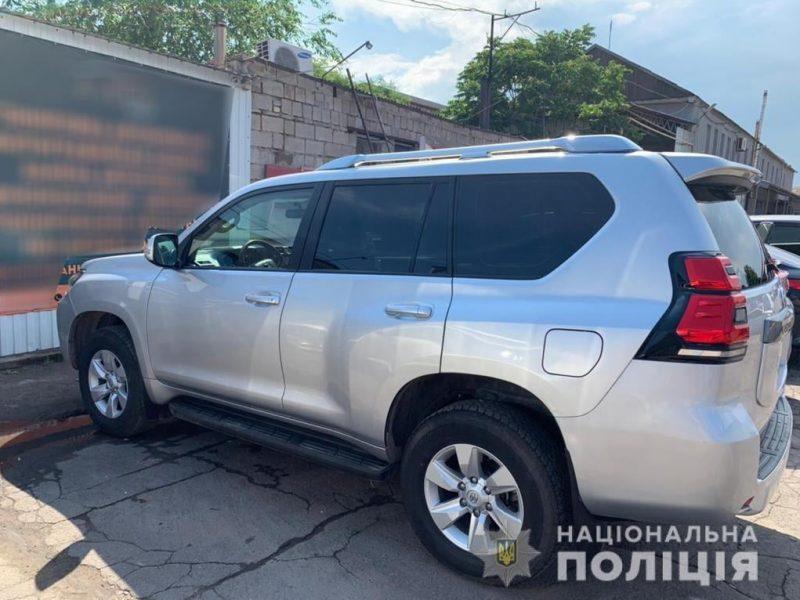 В Николаеве ночью угнали серебристую Toyota Land Cruiser Prado (ФОТО)