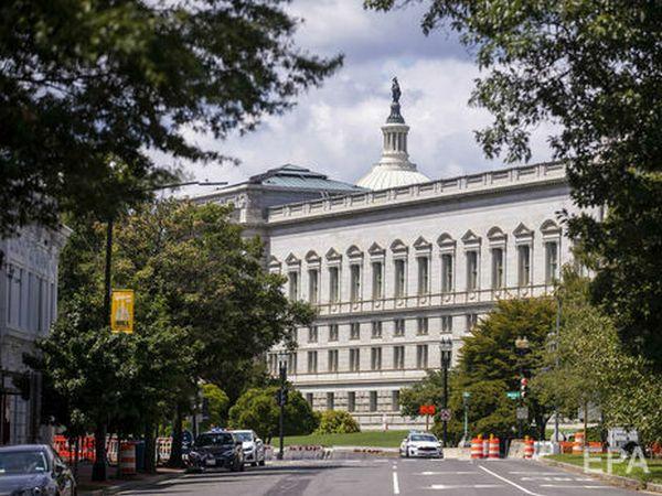 В США задержали мужчину, который требовал встречи с Байденом и угрожал взорвать пикап у Капитолия