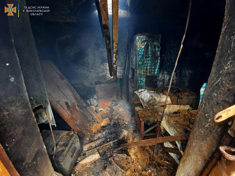 За сутки николаевские спасатели дважды тушили пожары в жилье (ФОТО) 3