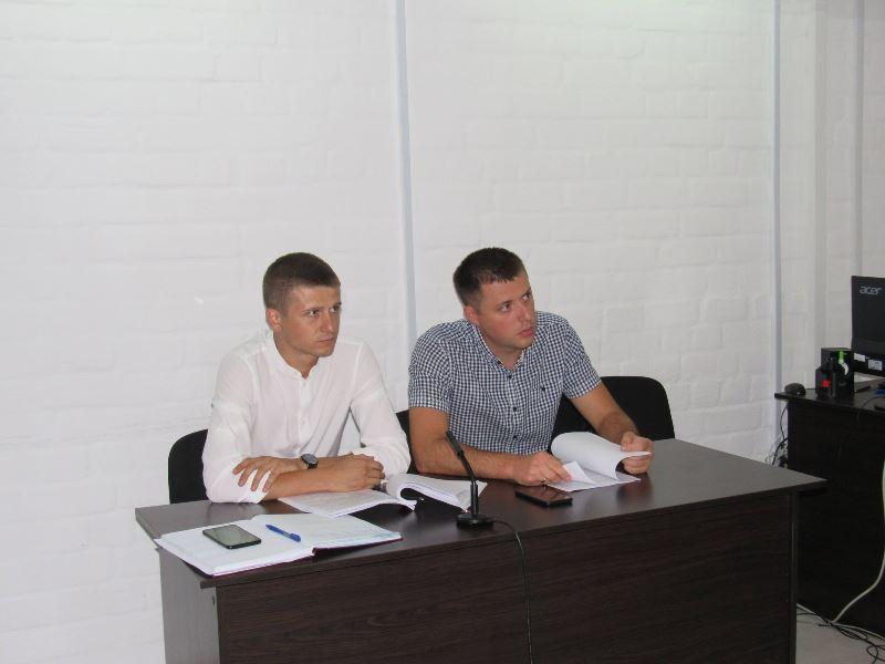 Суд в Николаеве отправил в СИЗО замдиректора первомайской охранной фирмы, предлагавшего полицейскому $5 тыс. взятки (ФОТО) 3