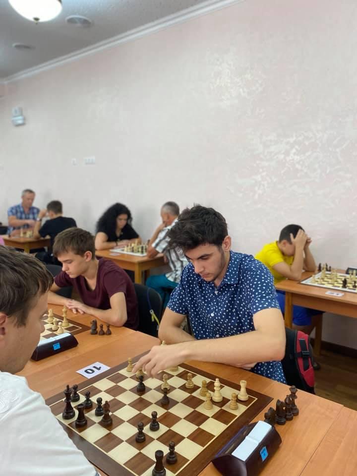 Шахматный блиц-турнир в Николаеве с призовым фондом 10 тыс.грн. выиграл 16-летний шахматист из Черноморска (ФОТО) 19