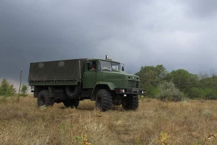 Чтобы по пересеченной местности – как по асфальту: тренировались водители николаевской «79-ки» (ФОТО) 1