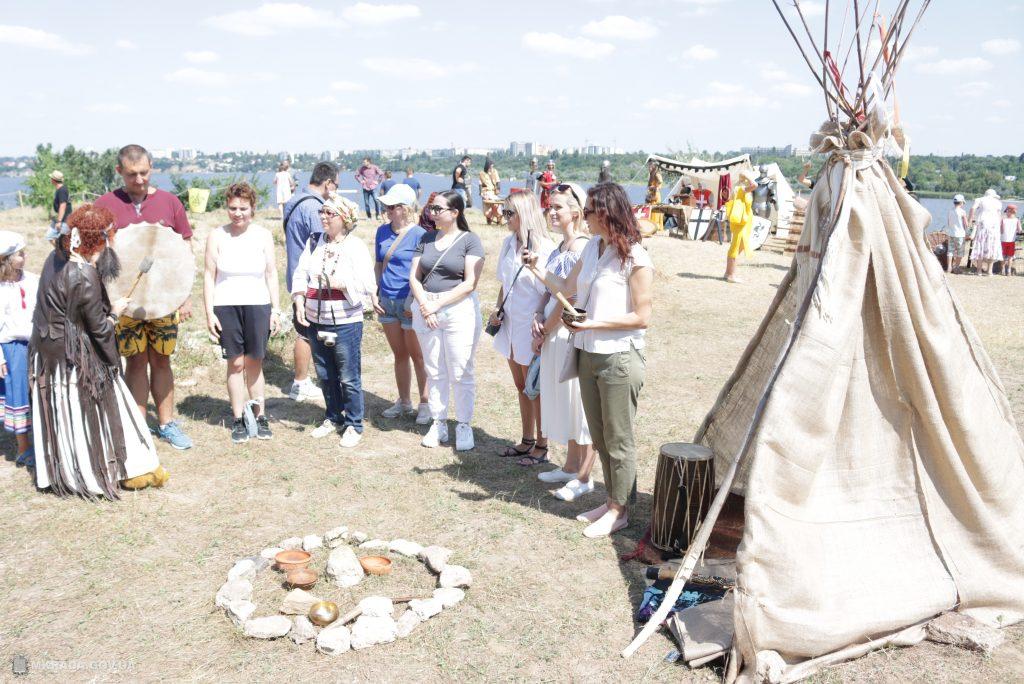 В Николаеве проходит фестиваль «Дикий Сад: арт-перекресток времен и народов» (ФОТО) 29