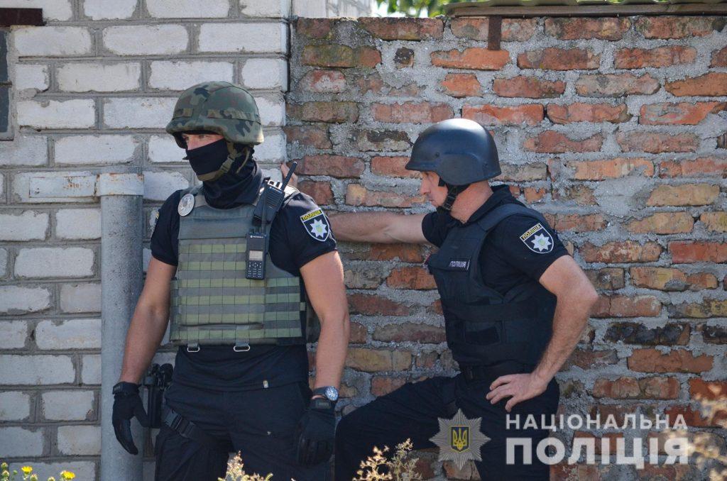 Задержание вооруженных преступников, обезвреживание взрывчатки, штурм здания – как и чему учились полицейские в Николаеве (ФОТО, ВИДЕО) 27