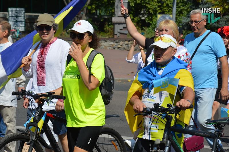 «Путин х**ло!»: в Николаеве прошел свой парад в честь Дня Независимости (ФОТО) 33