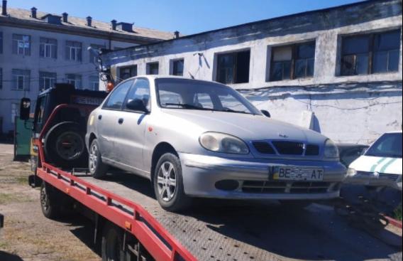 У николаевца забрали автомобиль за долги по отоплению