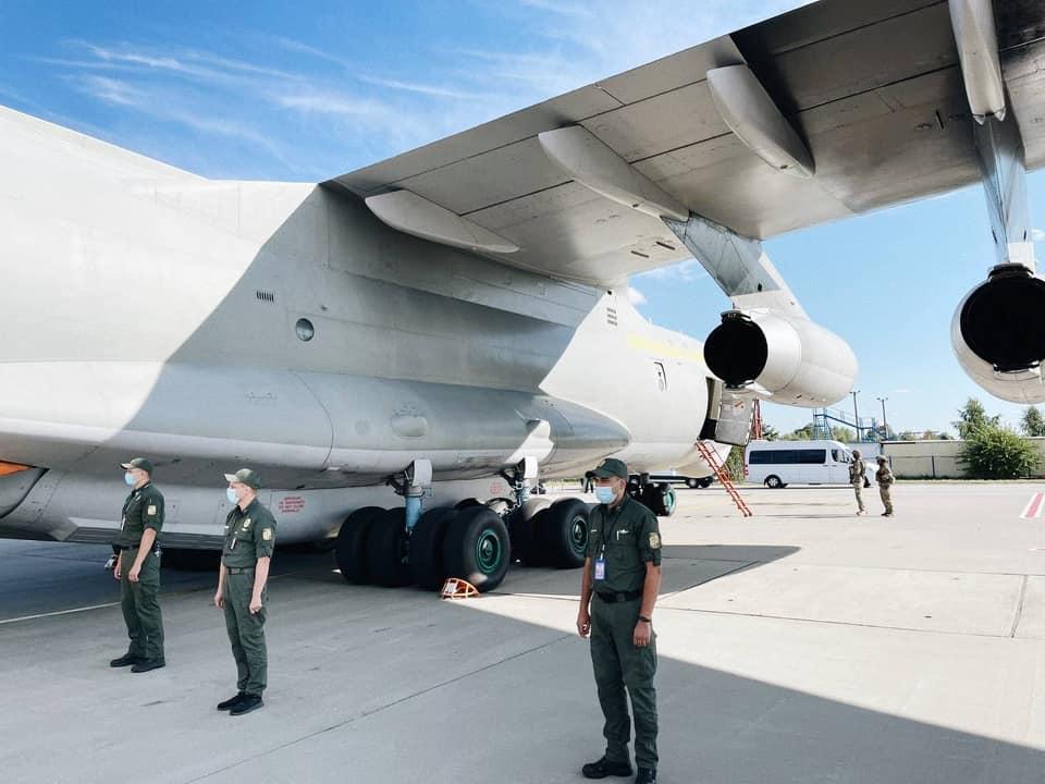 В «Борисполе» приземлился самолет с эвакуированными из Кабула - на борту было около 80 украинцев (ФОТО, ВИДЕО) 5