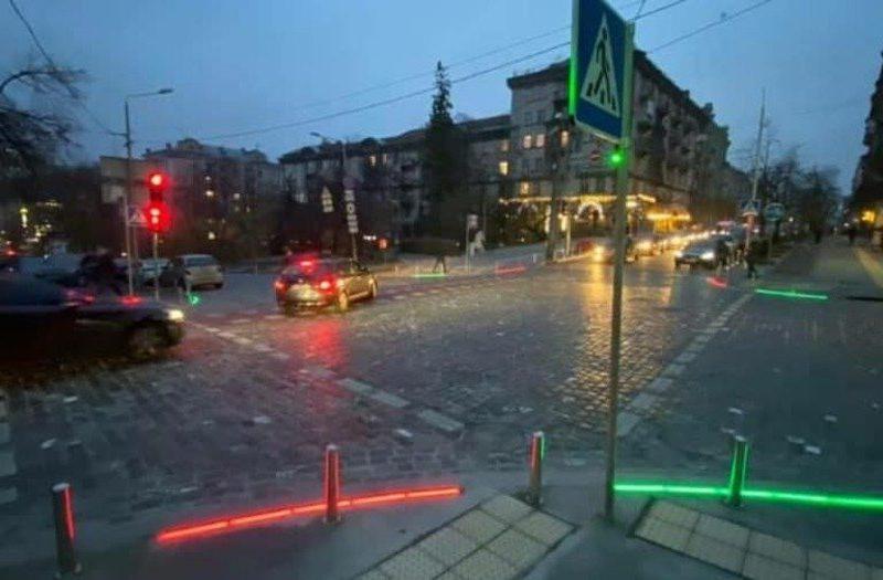 В Николаеве появился пешеходный переход с такой подсветкой, которой еще не было