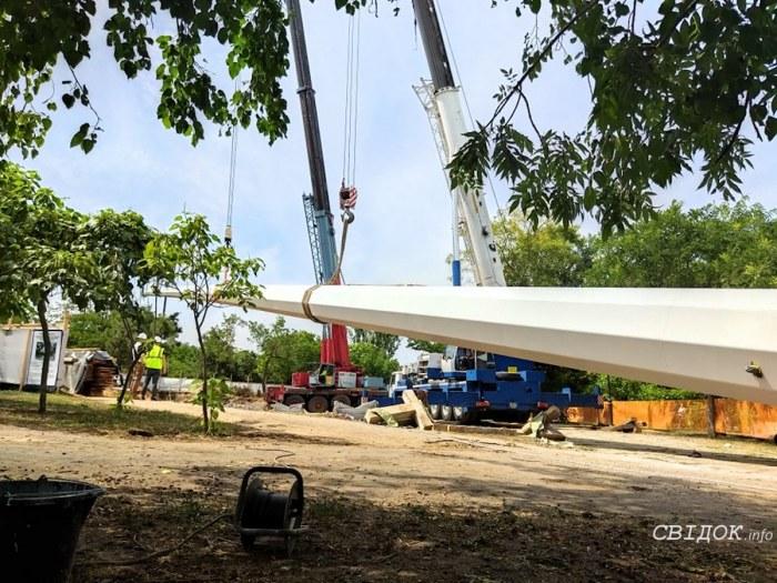 В Николаеве установили 72-метровый флагшток (ФОТО) 7