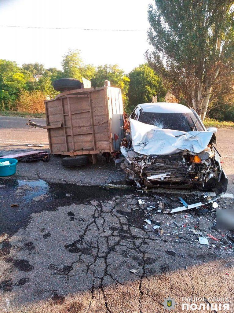 В Новой Одессе столкнулись два легковых авто и фура с арбузами: один погибший, двое с тяжелыми травмами (ФОТО) 1