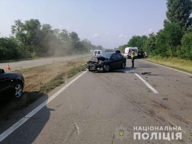 На киевской трассе под Николаевом столкнулись две «легковушки» — один водитель погиб