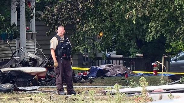 В США самолет упал на жилой дом — никто не выжил (ФОТО)