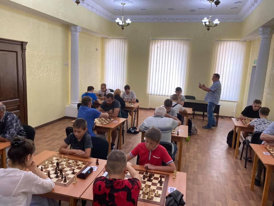 Шахматный блиц-турнир в Николаеве с призовым фондом 10 тыс.грн. выиграл 16-летний шахматист из Черноморска (ФОТО) 5