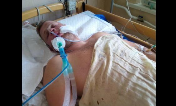Рано утром в центре Николаева у ночного клуба жестоко избили парня