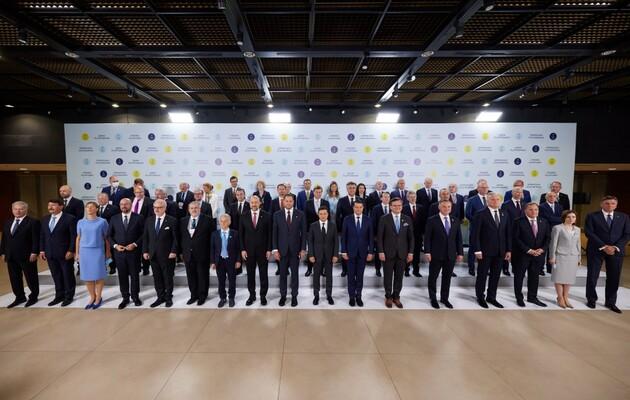 Участники Крымской платформы приняли декларацию, Зеленский призвал РФ присоединиться. Что подписали?