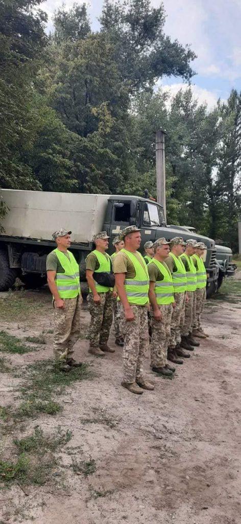 Чтобы по пересеченной местности – как по асфальту: тренировались водители николаевской «79-ки» (ФОТО) 11