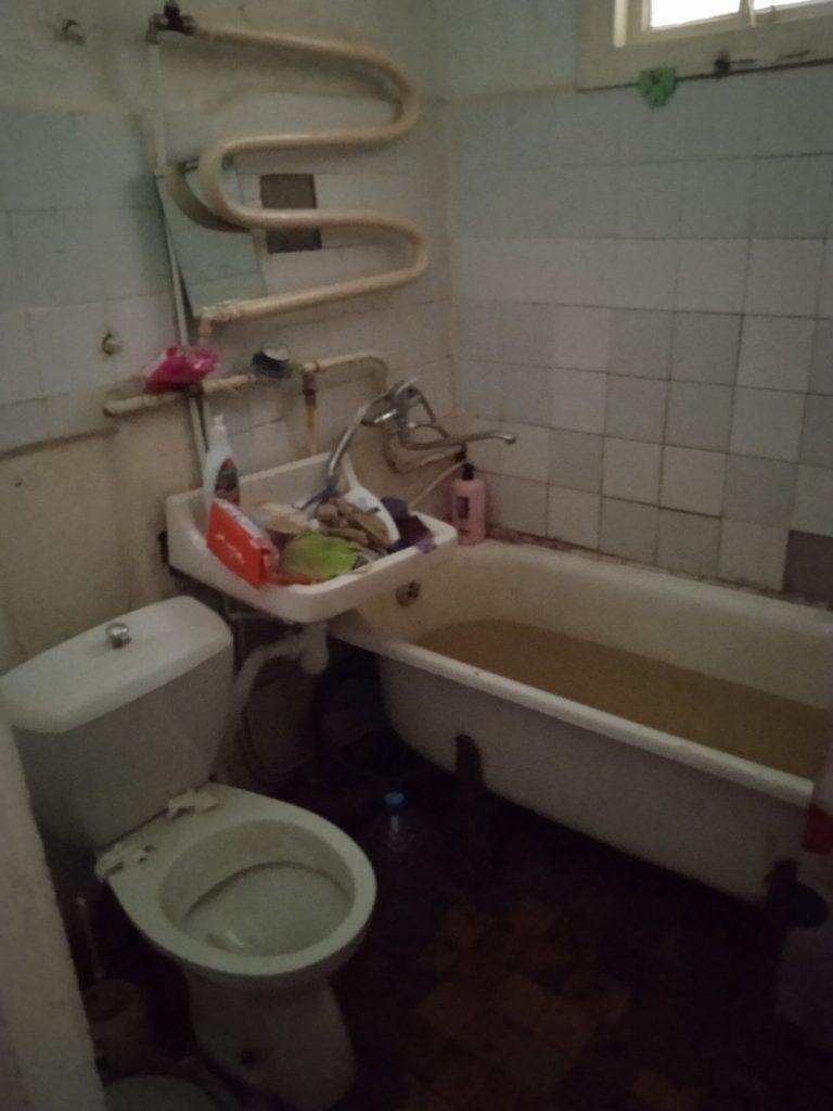 В райцентре Николаевской области неадекватный мужчина угрожал выбросить годовалого ребенка с балкона третьего этажа (ФОТО) 13
