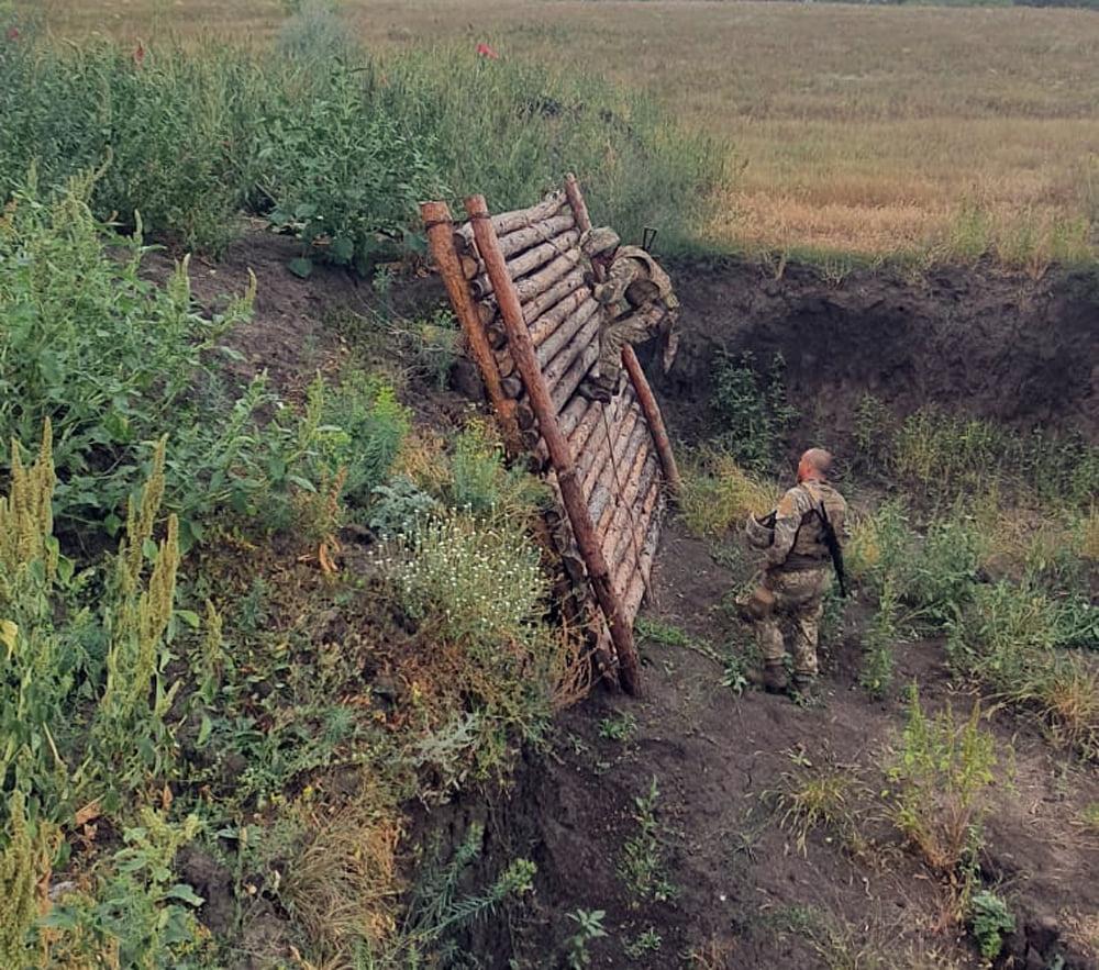 Чтобы стрелять из любого положения: как тренируют николаевских десантников (ФОТО) 9