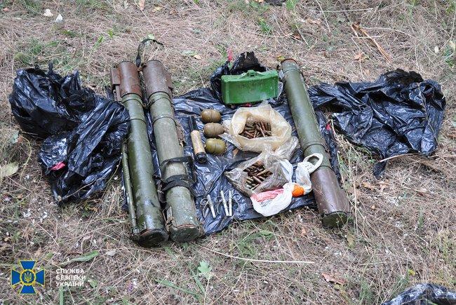 В Николаеве, Киевской и Луганской областях обнаружили тайники с гранатами и минами (ФОТО) 5