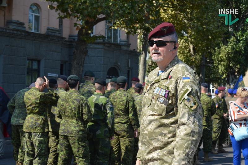«Путин х**ло!»: в Николаеве прошел свой парад в честь Дня Независимости (ФОТО) 13