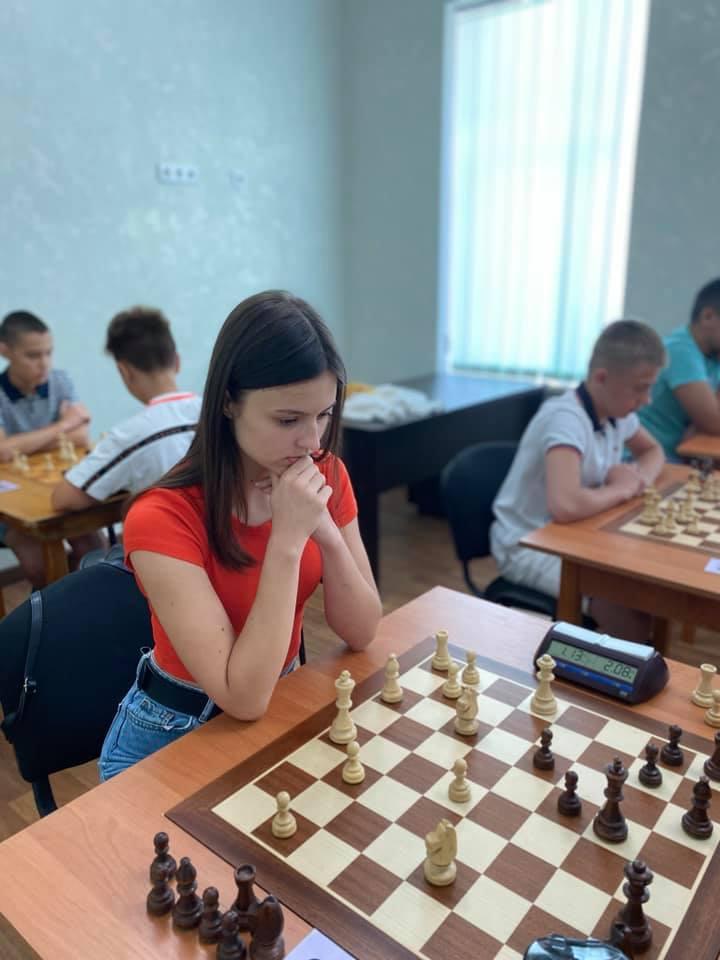 Шахматный блиц-турнир в Николаеве с призовым фондом 10 тыс.грн. выиграл 16-летний шахматист из Черноморска (ФОТО) 13