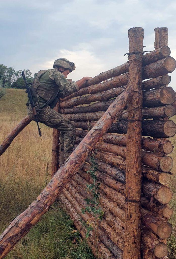 Чтобы стрелять из любого положения: как тренируют николаевских десантников (ФОТО) 11