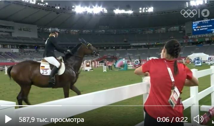 Женщину-тренера из Германии выгнали с Олимпиады — она ударила лошадь (ВИДЕО)