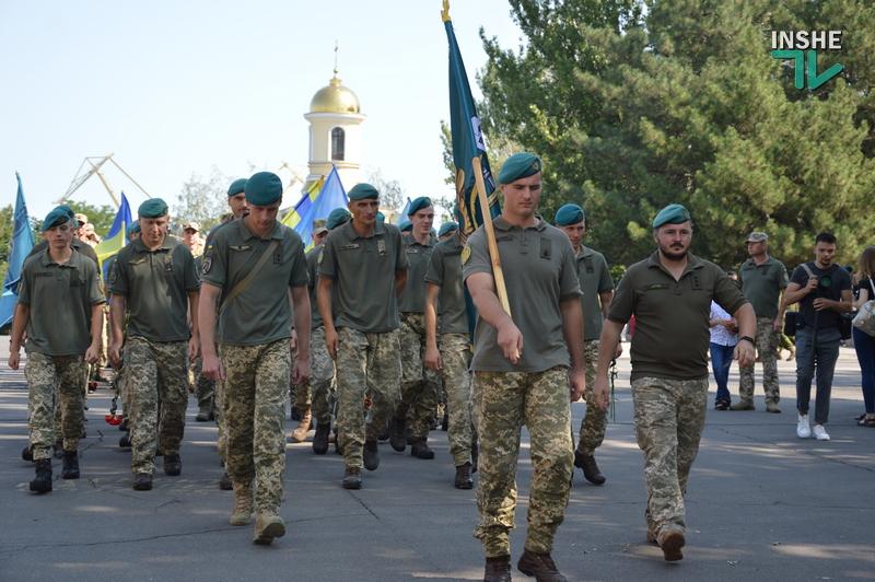 «Путин х**ло!»: в Николаеве прошел свой парад в честь Дня Независимости (ФОТО) 17