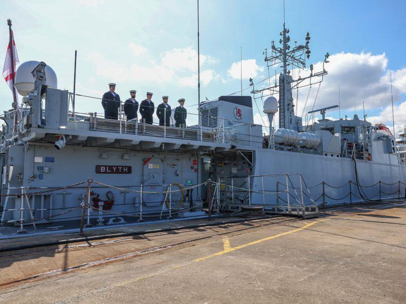 Великобритания передаст Украине два отслуживших противоминных корабля (ФОТО)