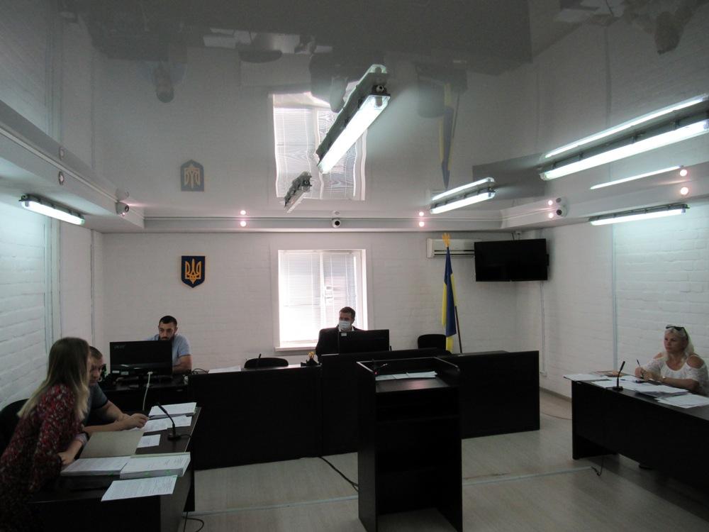 В Николаеве сутенера, организовавшего бордель в бане, взяли под стражу с залогом в 750 тыс.грн. (ФОТО) 1