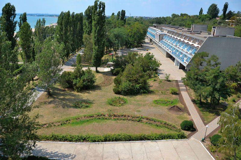 В Одессе закрывают детский лагерь «Молодая гвардия» — там уже 50 заболевших COVID-19 детей