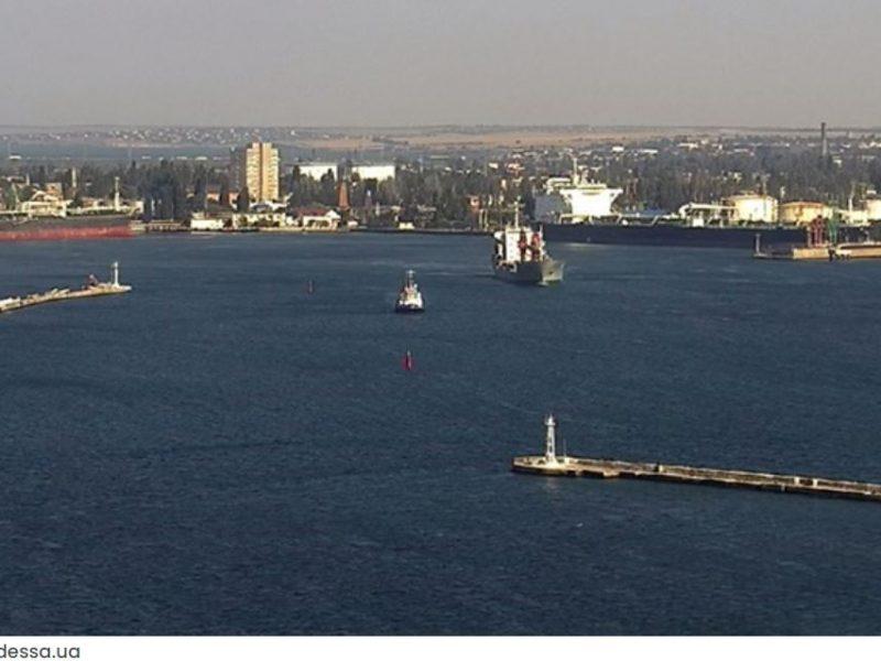 Против сезонного дефицита. Одесский порт до конца августа обработает 5 танкеров с сырой нефтью, 2 — с бензином, 2 газовоза и 1 — с дизтопливом