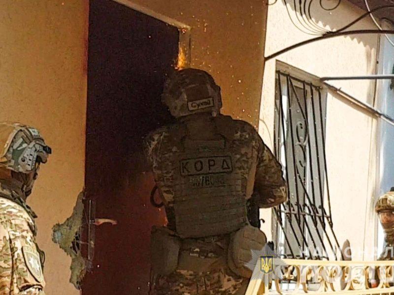 Николаевски правоохранители накрыли межрегиональную оптовую метадоновую базу (ФОТО, ВИДЕО)