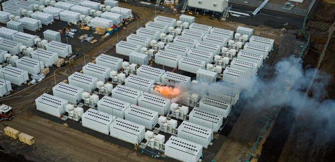 В Австралии 4 дня не могли потушить горевшую гигантскую «батарейку» Tesla