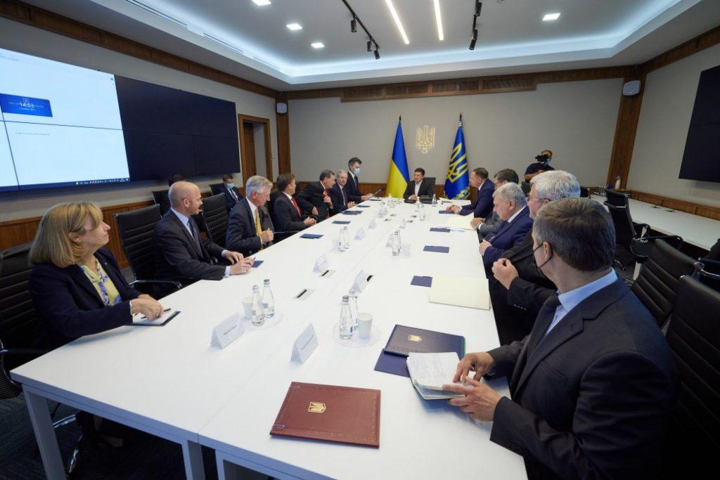 Визит в США, План трансформации Украины, Донбасс, «Северный поток-2»: что Зеленский обсуждал с делегацией Конгресса США (ФОТО) 3