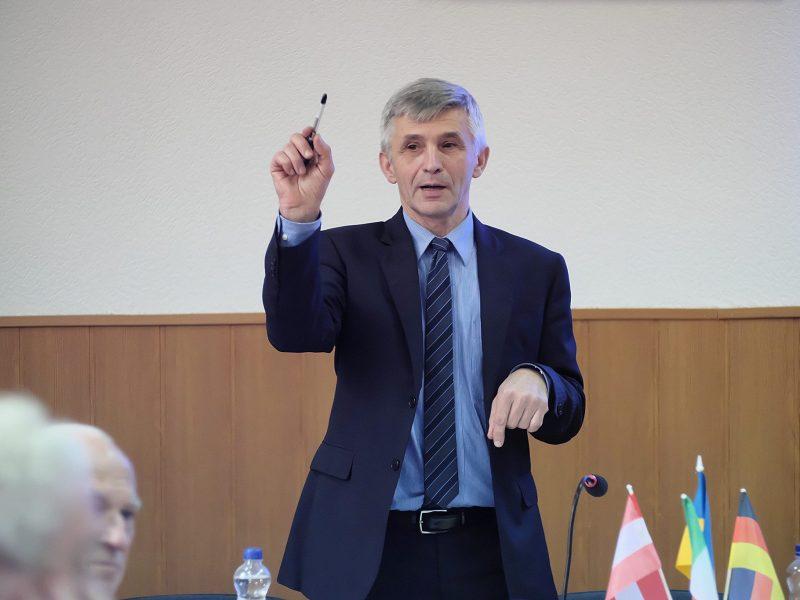 Это будет большим потрясением для нации — ученый о предложении Данилова о переходе с кириллицы на латиницу
