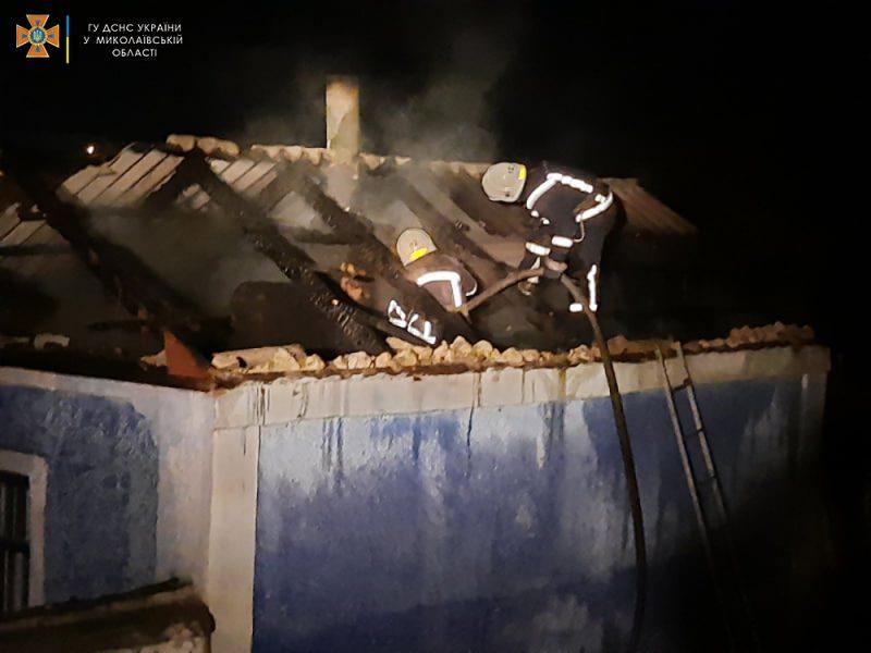 В Вознесенске не дали загореться жилому дому от летней кухни (ФОТО)