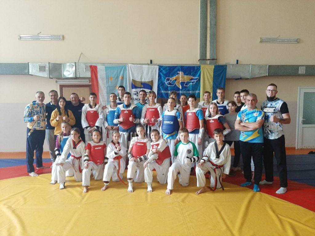 Юные николаевские тхеквондисты завоевали 5 медалей на международных соревнованиях (ФОТО) 1