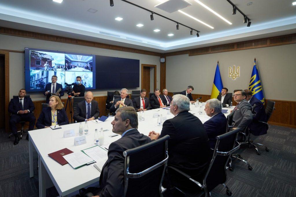 Визит в США, План трансформации Украины, Донбасс, «Северный поток-2»: что Зеленский обсуждал с делегацией Конгресса США (ФОТО) 1