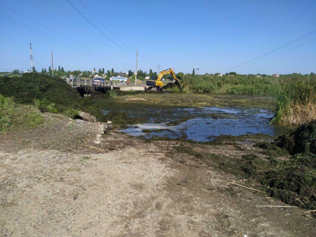 Движение по понтонному мосту в Пересадовке, подтопленному на прошлой неделе фурой, восстановлено (ФОТО, ВИДЕО) 1