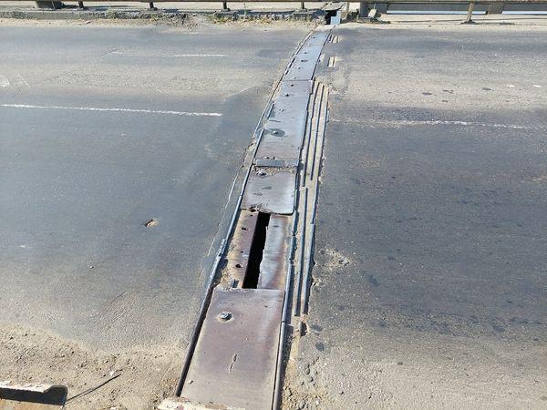 В Николаеве экстренно ремонтировали деформационный шов разводной части Варваровского моста (ФОТО) 1