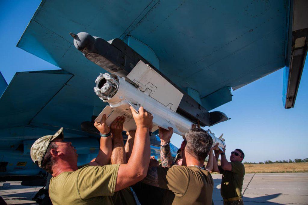 На Николаевщине авиаторы провели практические пуски авиационных управляемых ракет класса «воздух-воздух» (ФОТО) 27