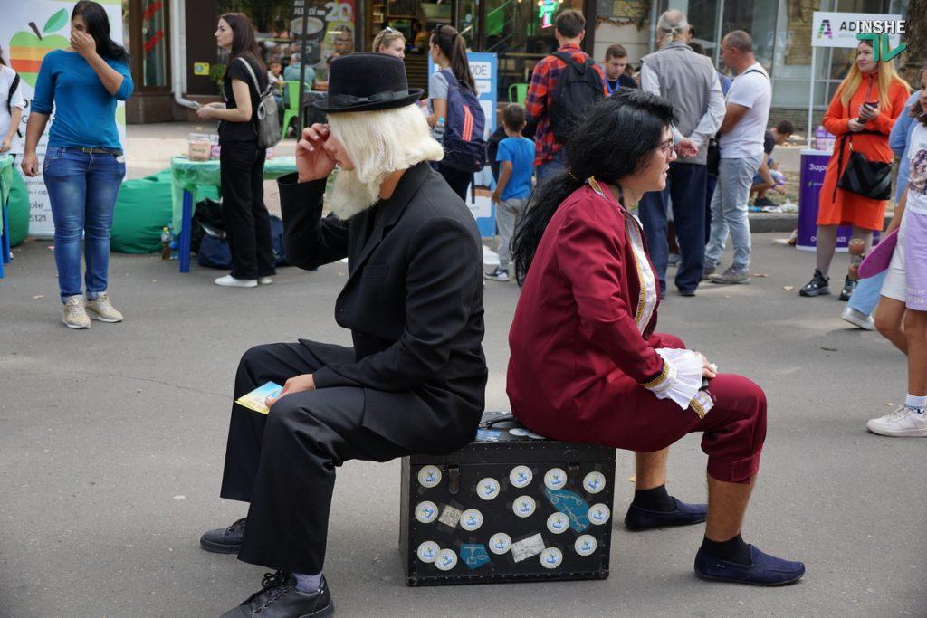232-й день рождения Николаева: поздравление молодоженов, выставка-ярмарка и очень мало празднующих (ФОТО, ВИДЕО) 27